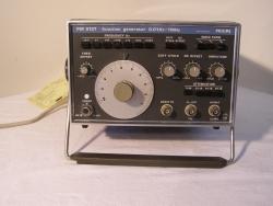 PHILIPS PM 5127 FUNCTION GENERATOR 0,01 Hz-1 MHz