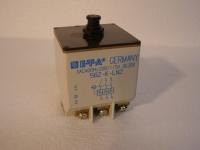 1x E-T-A  582-K-LN2 CIRCUIT BREAKER Schutzschalter / Sicherung  1,5 A 3-Phasen