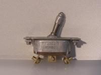 AN 3022-3 Kippschalter on-off-on (rastend )