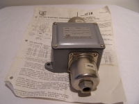 Vakuumsteuerung Pressure Vacuum Control J21K  0-6 PSI/0.41 Bar