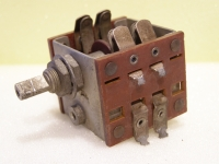 Magnum Robuster Drehschalter 2 Ebenen 8 Kontakte