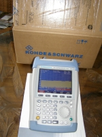 ROHDE & SCHWARZ FSH 3 Portable SPECTRUM ANALYZER with Preamplifler